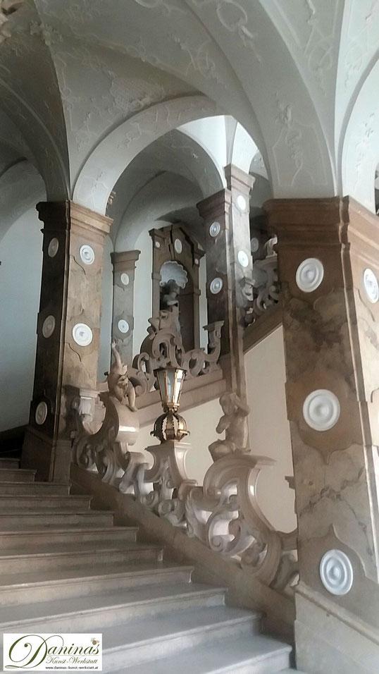 Schloss Mirabell - Historisches Treppenhaus mit Marmortreppe zum Marmorsaal, einem der schönsten Trauungssäle der Welt.