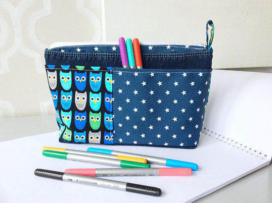 Bricolé MC turns old jeans into colourful pouches and pencil cases.