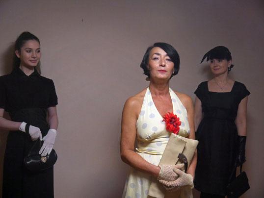 Strahlende Schönheiten: Sevta Koch vom Kurparkcafé in Herchen, hinter ihr Mutter und Tochter Maria und Olga Holap-Etter aus Ingelbach