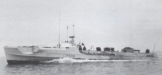 """T 55 (ex """"S 206""""), ab 1951 """"Høgen"""", P 555 - Foto: Wright and Logan"""