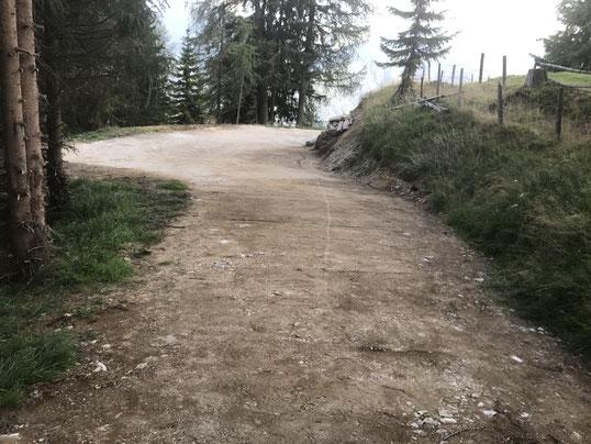 Baumaschinenverleih & Erdbau Schachner in Oberkärnten / Osttirol ist Ihr Erdbeweger in der Wegsanierung