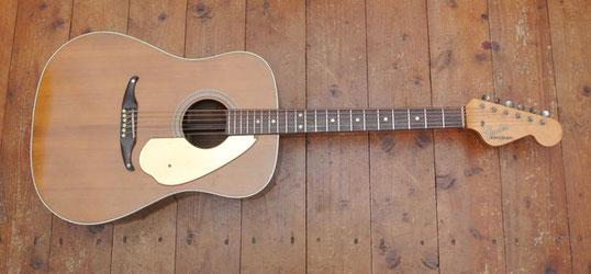 Ein E-Gitarrenhals samt 6:0 Kopfplatte prägten das Design der neuen Fender Akustik