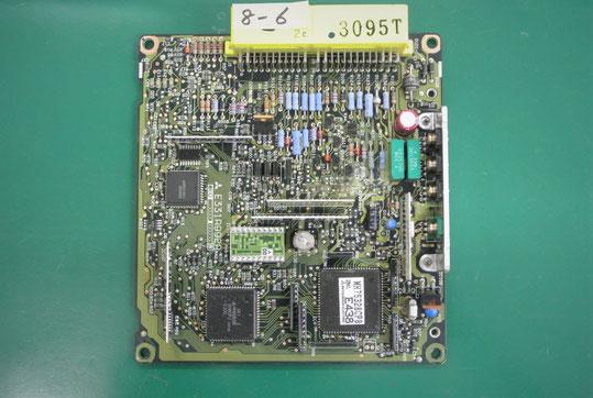 マツダ B2600 エンジンコントロールユニット ECU 基板