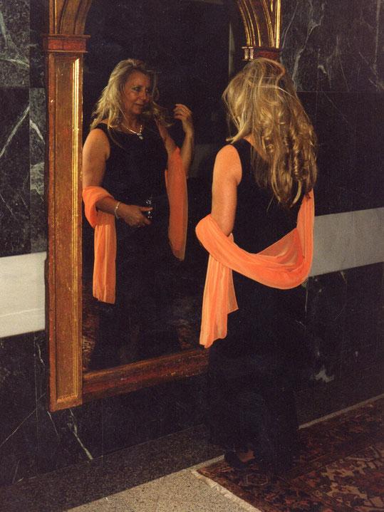 En el espejo. F. Pedro. P. Privada.