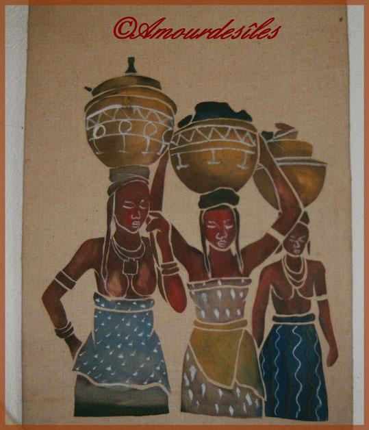 """""""Les Porteuses d'Eau"""" : peinture du TCHAD sur tissu travaillé sur place..."""