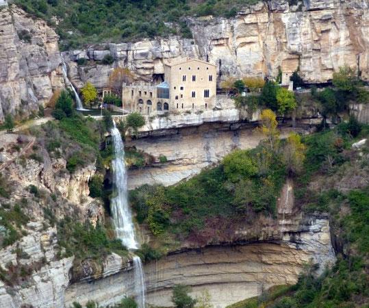 Самые красивые монастыри Каталонии - Сант Мигель де Фай