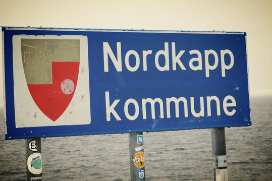 bigoustepes norvège cap nord panneau