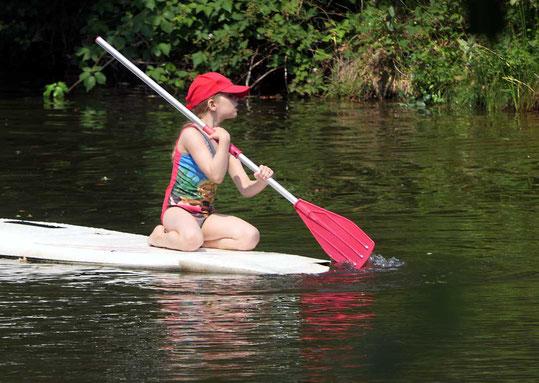 Die 'Kleine Oertze' durchfließt das Naturschutzgebiet. Pfarrer Kneipp empfiehlt tägliche Wasseranwendung.