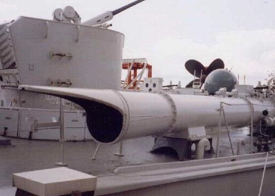 Torpedorohr Pisch-Bamag und Bofors 40 mm - Foto: Archiv Förderverein