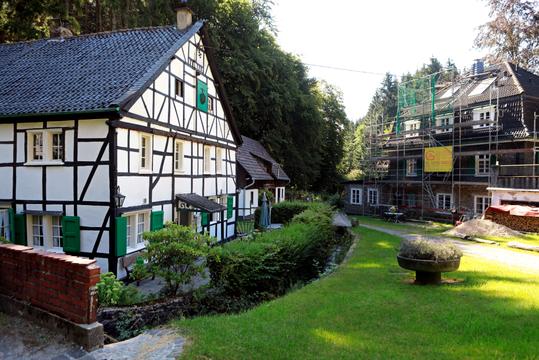 Die kleine Hofschaft Bertramsmühle an der Wupper in Solingen. Wohnsitz der Heinens von 1928-1932