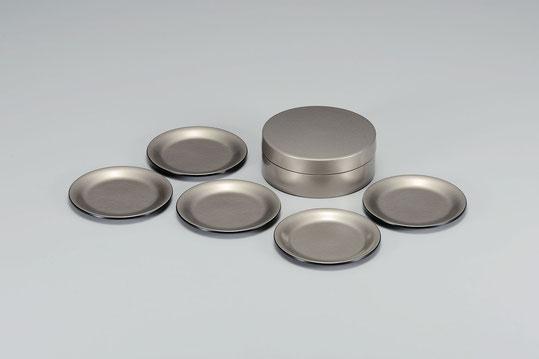 コースターだけでなく小皿でも便利です 引き出物やプレゼントとして喜ばれています