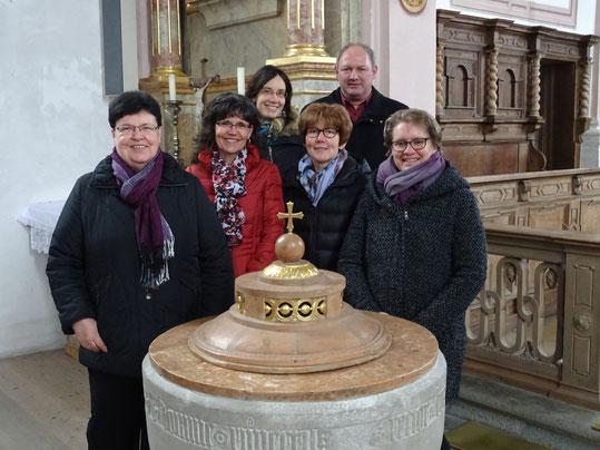 v.l. Irmi Simmelbauer, Maren Rogg, Maria Meichelböck, Birgitta Siegl, Kerstin Rößle, Maria Berchtold, Gerlinde Köhler, Manfred Lochbihler