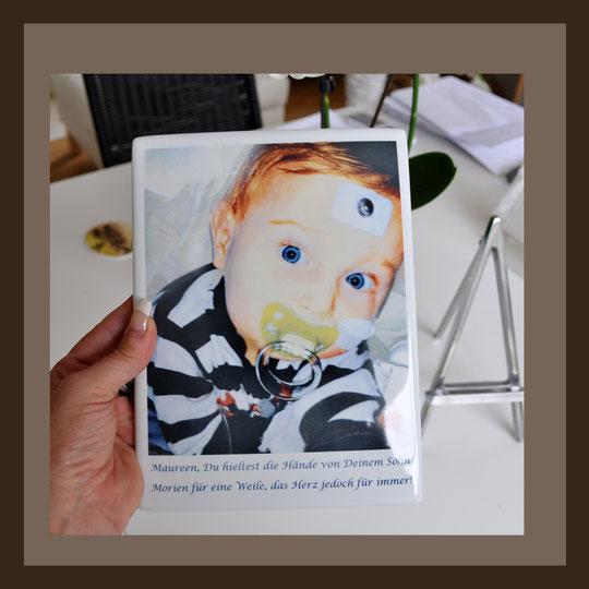 Grabbilder, Porzellanbilder, Die anderen Bilder, Andrea Weinke aus Groß Laasch,  Fotos auf Porzellan gebrannt, für den Tiergrabstein, Schmuck aus Porzellan, Fliesen für Bad o. Küche, Wände o. Geschirr