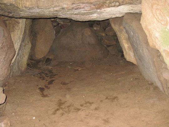 Das Innere des Königsgrabes in Berßen  Foto: (c)AReiners
