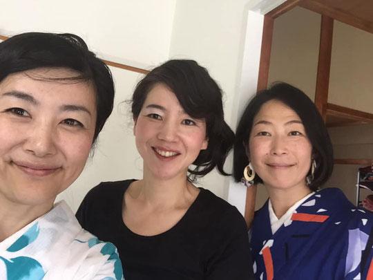 撮影後の記念の3ショット♪/(左)高田聖子さん(中)私(右)松岡かおりさん