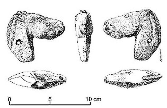 Tête de cheval sculptée en calcaire (Duruthy)
