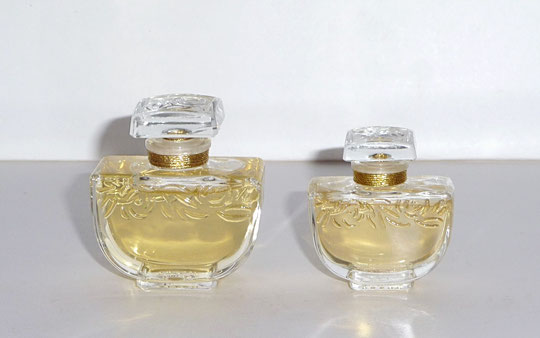 DEUX FLACONS CONTEMPORAINS - PARFUM 15 ML & 7,5 ML