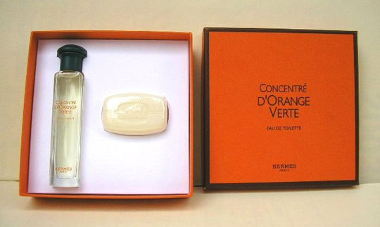 CONCENTRE D'ORANGE VERTE - COFFRET AVEC UN SPRAY EAU DE TOILETTE, FLACON TRANSPARENT & UN SAVON PARFUME