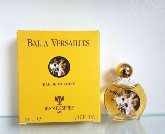 BAL A VERSAILLES - EAU DE TOILETTE 5 ML - FLACON LENTICULAIRE, BOUCHON BOULE PLASTIQUE DORE