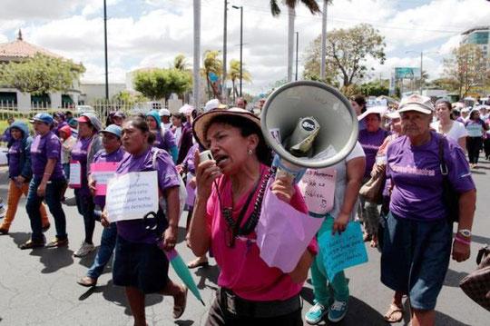 Protester mod Ortega-regeringens anti-abortlov