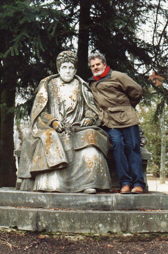 Pedro con Isabel II.