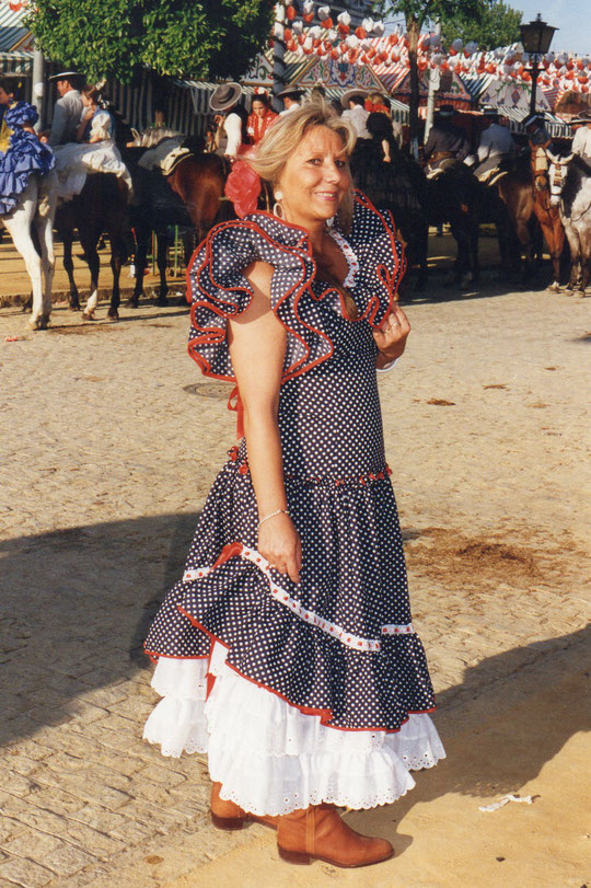 Paseo de caballos. F. P. Privada. Pedro.