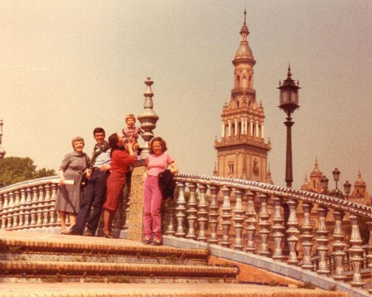 Sevilla, años 80. Pedro. F. P. Privada.