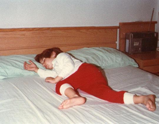 Durmiendo la siesta.