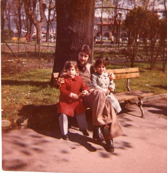 Belén y Mari Jose con Sindo.