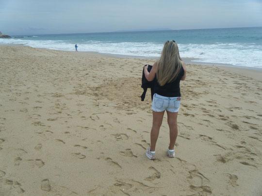 Disfrutando de la brisa del mar.
