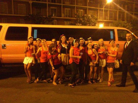 Despedida de soltera de Cristina. Madrid 2012, esta es nuestra limusina de celebración.