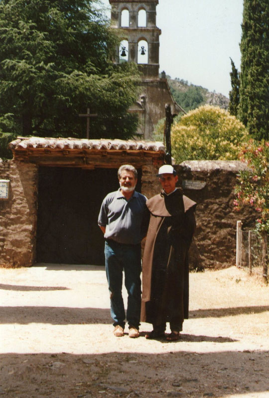 Pedro con el Abad. F. Merche.