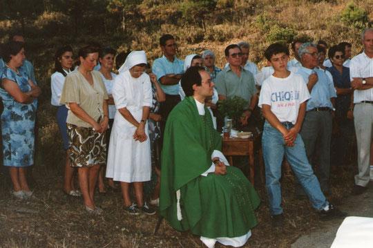 Durante la misa. F. Pedro. Propiedad privada.