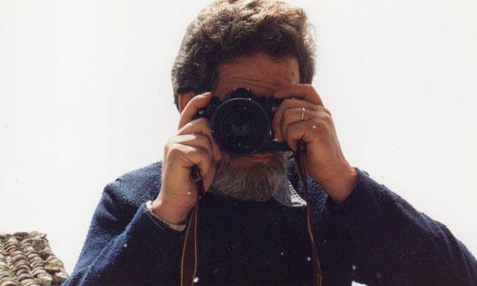 Nuestro particular fotógrafo. A él le debemos el haber captado muchos de los mejores momentos de nuestra vida. Merche. P. Privada.