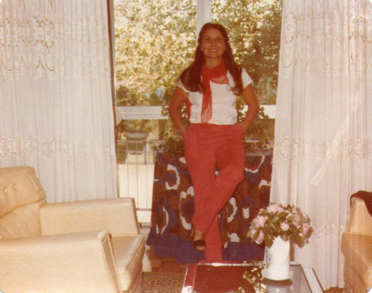 A punto de salir para el aeropuerto. Pedro. 1979. P. Privada.