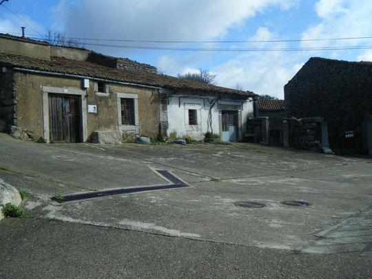 Casas de: Marceliano y Jacinto. Merche.