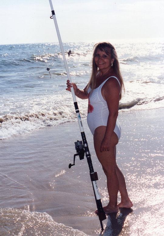 Merche pescando. F. Pedro. P. Privada.