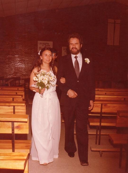 ¡ El matrimonio sale de la Iglesia ! F. P. Privada. Merche.