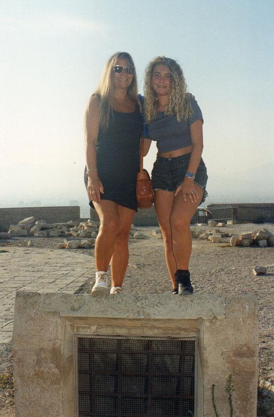Tía y sobrina. Alicante.