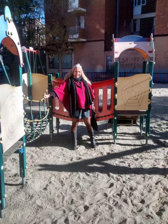 Parque infantil de mi casa. F. Pedro. P. Privada.