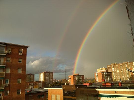 Precioso arcoiris en Moratalaz. F. Merche.