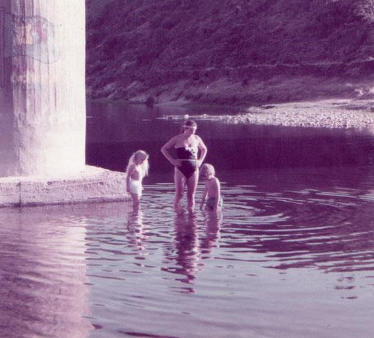 Debajo del puente. Pedro. Propiedad privada. Años 80.