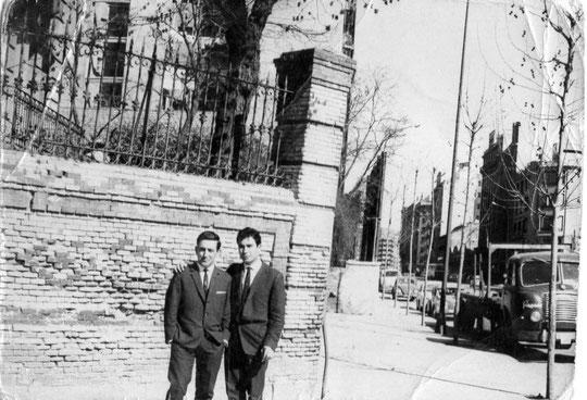 Mi primo Enrique a la derecha, nacido en Cabaloria.