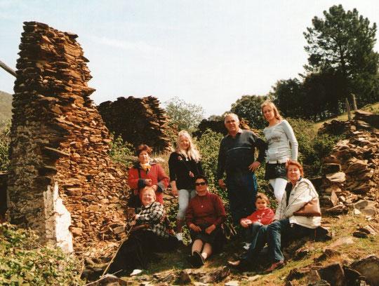 Familia de Dolores y mis hermanas.