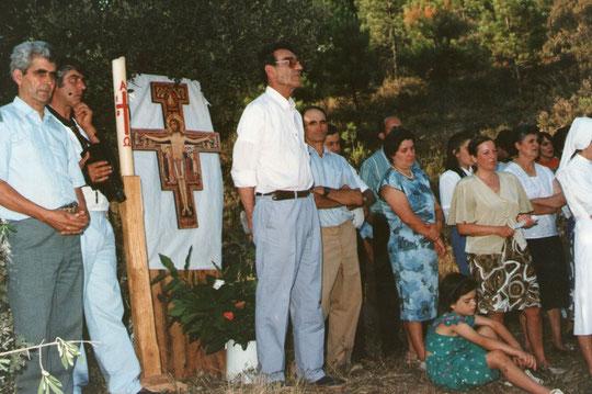 Va a comenzar la misa. F. Pedro. Propiedad privada.