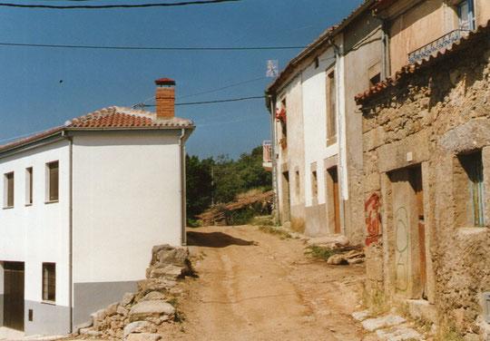 Casa nueva de Benito y Bernardino por detrás. F. Merche.