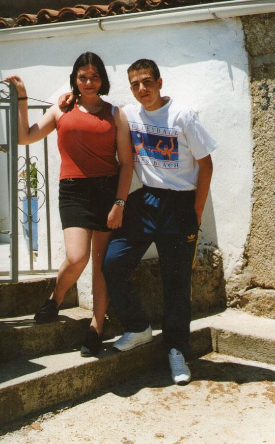 Cristina y un amigo. F. Pedro.