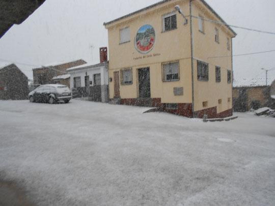 ¡ Nieve en la Puebla ! Fábrica de Ángel y Nieves y casa de Engracia y Roberto. F. Merche. P. Privada.