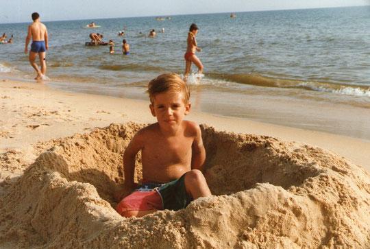 Ale muy lindo en la playa. F. Merche. P. Privada.