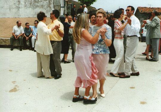 Bailando........... F. P. Privada. Pedro.